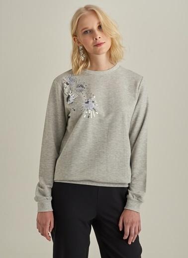 Monamoda İşlemeli Sweatshirt Gri
